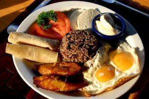 mission humanitaire et volontariat humanitaire au Costa Rica nourriture