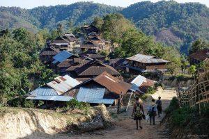 mission humanitaire et volontariat humanitaire en birmanie village